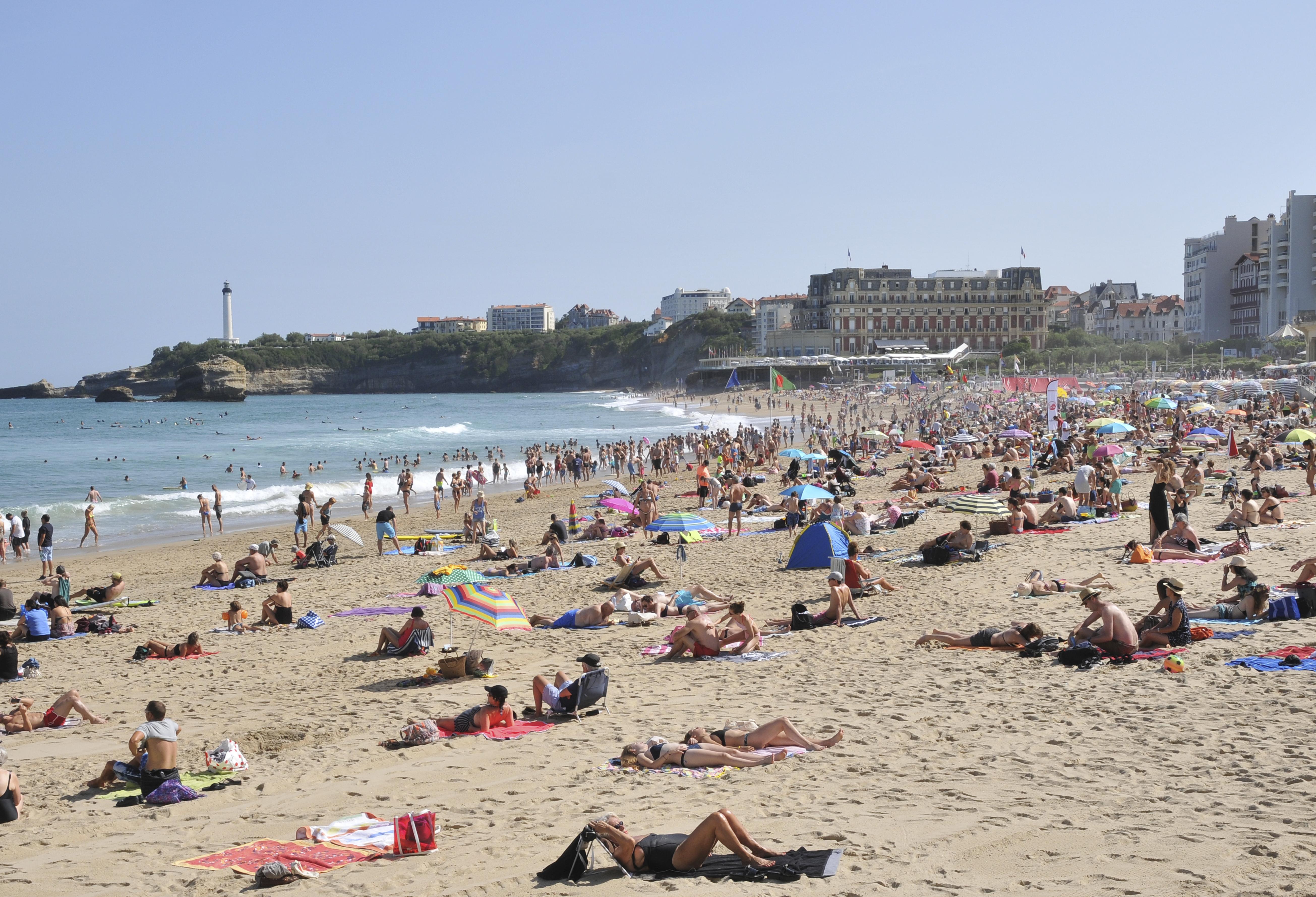 Avant Après #3 Côte Basque_ Biarritz La Grande Plage