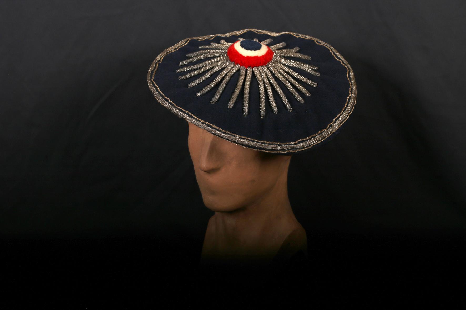 Béret du costume de garde national