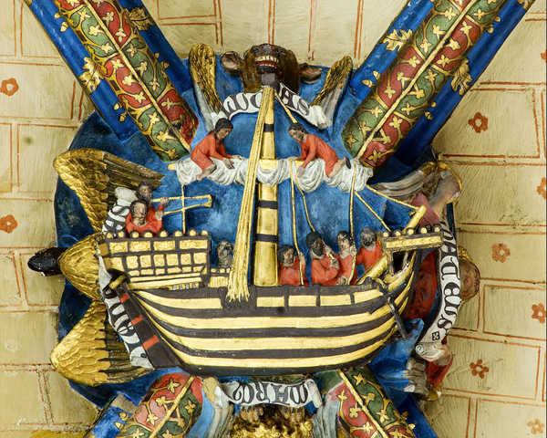 La clef de voûte du transept de la cathédrale Sainte-Marie