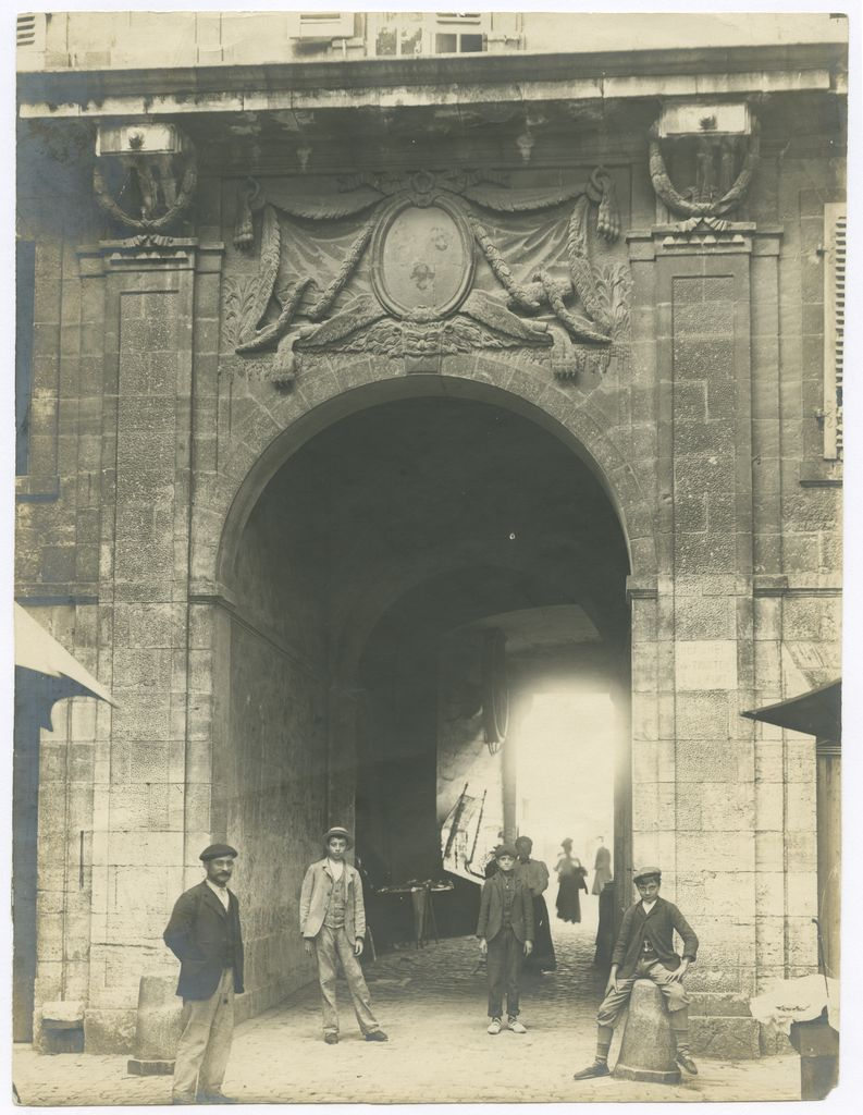 2014.0.303 Bayonne, la Porte d'Hercule au Réduit Tirage photographique (aristotype), vers 1900