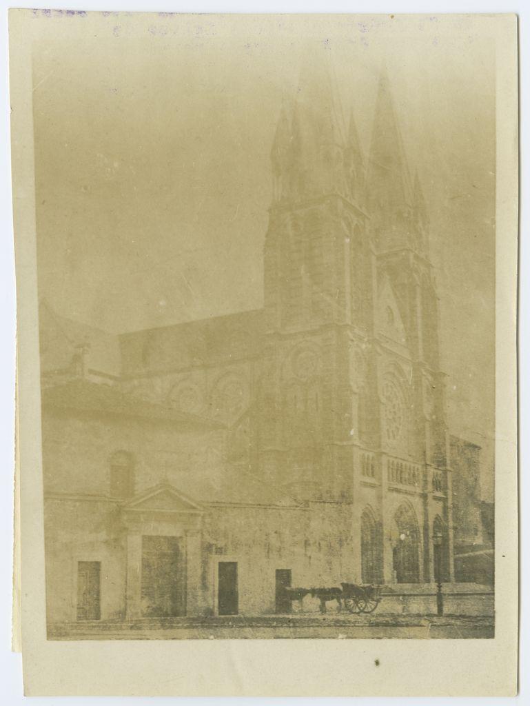 E.3633 Bayonne – Ancienne église des Capucins dite aussi de Saint-André PUCHULU, Louis Tirage photographique sur papier albuminé, contretrype, vers 1860