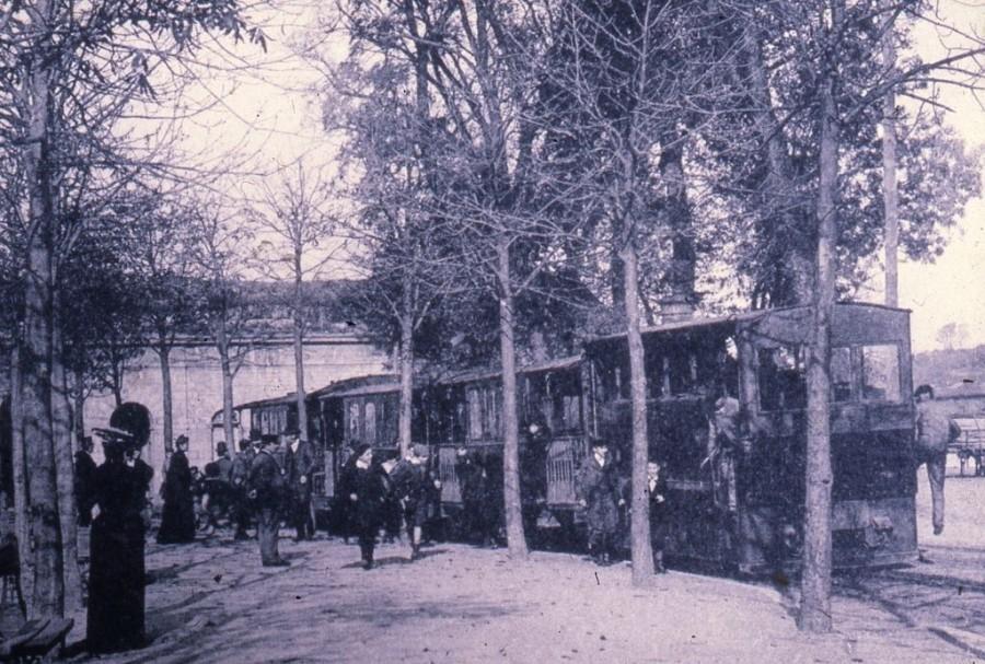 PH.83.19.16.2 « Bayonne : départ du Tramway de Bayonne à Biarritz à la Place d'Armes » Phototypie Marcel Delboy, Bordeaux, vers 1900