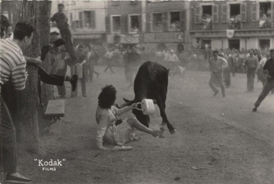 PH.62.14.6 Auguste Aubert  Courses de vaches aux fêtes de Bayonne  Tirage photographique noir et blanc 1959