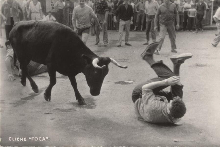 PH.62.14.7 Auguste Aubert  Courses de vaches aux fêtes de Bayonne Tirage photographique noir et blanc 1958